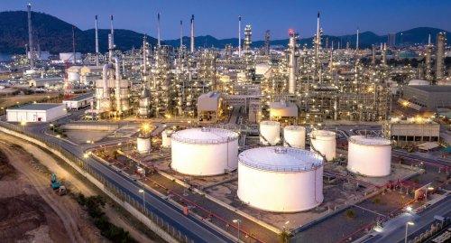 Oil_refinery_cmyk_300dpi.jpg_ico500 automatisation dans - - - NEWS INDUSTRIE